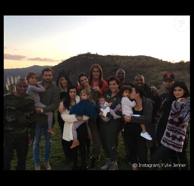 La famille Kardashian-Jenner-West-Disick au grand complet pour Thanksgiving. Novembre 2015.