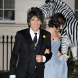 Ronnie Wood et sa femme Sally Humphreys à Londres, le 12 septembre 2013.