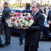 Albert de Monaco : Visage fermé et ému, il s'est recueilli au Bataclan