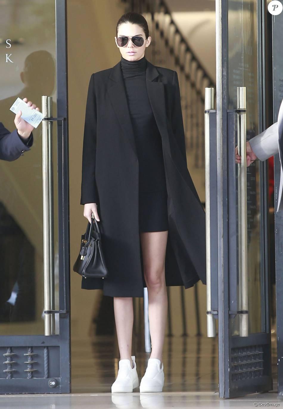 Kendall Jenner mise sur un look minimaliste et ultra chic