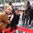 Bryce Dallas Howard et son père Ron Howard - Ron Howard reçoit son étoile sur le Walk of Fame à Hollywood le 10 décembre 2015.