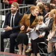 Seth Gabel et sa femme Bryce Dallas Howard - Ron Howard reçoit son étoile sur le Walk of Fame à Hollywood le 10 décembre 2015.