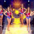Les 31 Miss défilent en Super Woman, lors de l'élection Miss France 2016 le samedi 19 décembre 2015 sur TF1