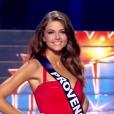 Miss Provence - Les 31 Miss défilent en Super Woman, lors de l'élection Miss France 2016 le samedi 19 décembre 2015 sur TF1