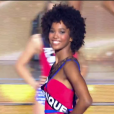 Miss, choisie parmi les 12 finalistes, lors de l'élection Miss France 2016 le samedi 19 décembre 2015 sur TF1