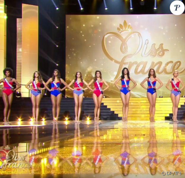 Les 12 finalistes, lors de l'élection Miss France 2016 le samedi 19 décembre 2015 sur TF1