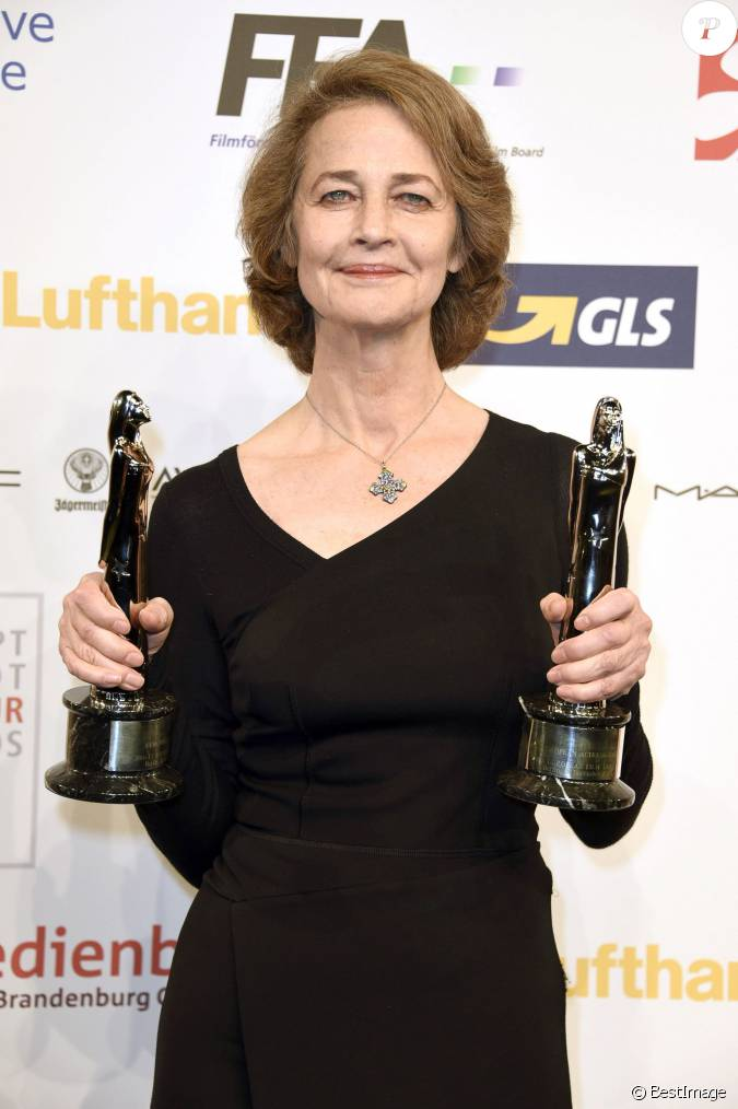 charlotte rampling meilleure actrice 28e c r monie annuelle des european film awards. Black Bedroom Furniture Sets. Home Design Ideas
