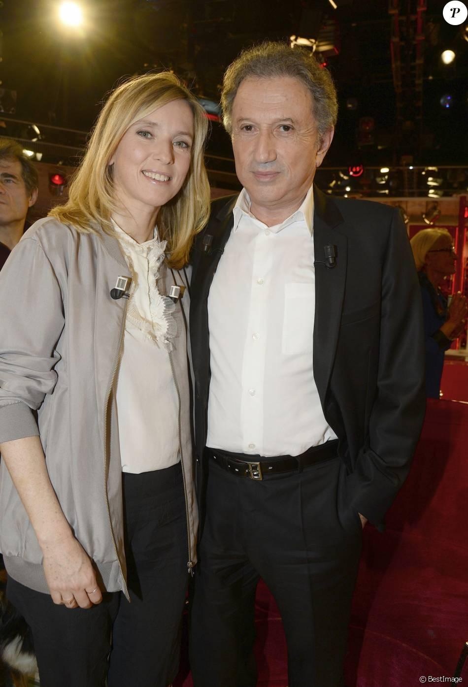 """Léa Drucker et son oncle Michel Drucker - Enregistrement de l'émission """"Vivement Dimanche"""" à Paris le 21 Décembre 2015 et qui sera diffusée le 27 Décembre 2015."""