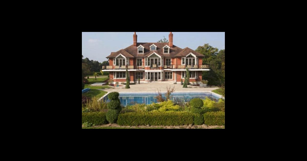 tom cruise son manoir anglais en vente pour 7 millions d. Black Bedroom Furniture Sets. Home Design Ideas