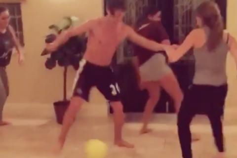 Charlotte Pirroni : Quand son chéri Florian Thauvin malmène la Miss au foot...