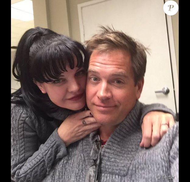 Michael Weatherly quitte NCIS et annonce la nouvelle sur Twitter. ici, une jolie photo avec sa partenaire Pauley Perrette