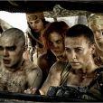 Nicholas Hoult et Charlize Theron dans Mad Max : Fury Road.