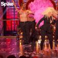 Hayden Panetierre et Christina Aguilera chantent Lady Marmelade sur le plateau de l'émission Lip Sync Battle. Image extraite d'une vidéo publiée sur Youtube, le 8 février 2016.