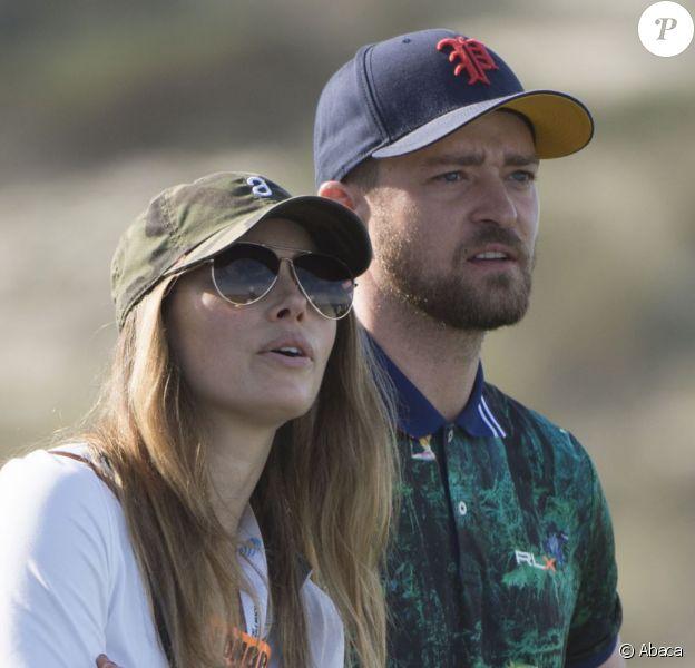 Justin Timberlake et Jessica Bielà l'AT&T Pebble Beach Pro-Am deSpyglass Hillle 11 février 2016 à Pebble Beach.