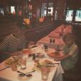 Jaxon, le petit frère de Justin Bieber est venu lui rendre visite. Le chanteur a publié une photo de son séjour sur sa page Instagram, le 15 février 2016.