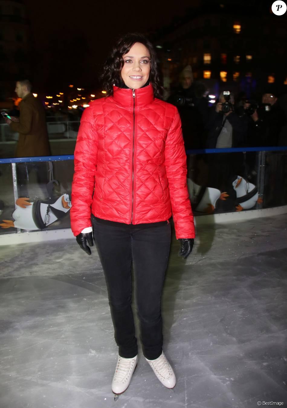 Nathalie p chalat inaugure la patinoire de l 39 h tel de for Natali pechalat