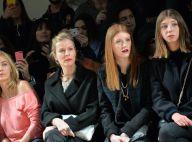 Karin Viard, modeuse complice avec ses deux filles au côté d'Emmanuelle Béart