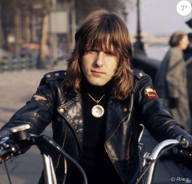 Le clavieriste Keith Emerson, membre du supergroupe Emerson, Lake & Palmer, s'est suicidé chez lui à Santa Monica dans la nuit du 10,au 11 mars 2016. Ici à Londres autour de 1975.