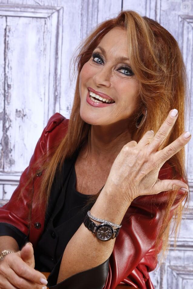 Portrait de Julie Pietri à Paris, le 20 novembre 2014.