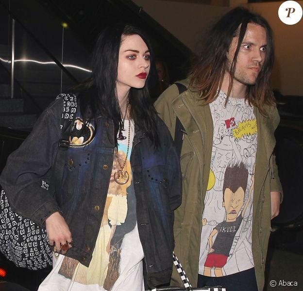 Frances Bean Cobain et son fiancé Isaiah Silva à l'aéroport LAX de Los Angeles, le 26 janvier 2015