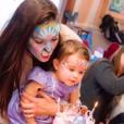 La belle Jade Foret, ses trois enfants, Liva (3 ans), Mila (2 ans) et Nolan (2 mois) à Disneyland Paris pour l'anniversaire de Mila. Mars 2016.