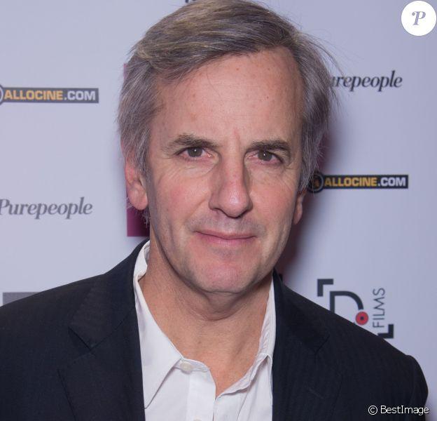 """Bernard de la Villardière - Photocall lors de l'avant-première du film """"Des amours, désamour"""" au cinéma Gaumont Opéra à Paris, le 1er février 2016."""