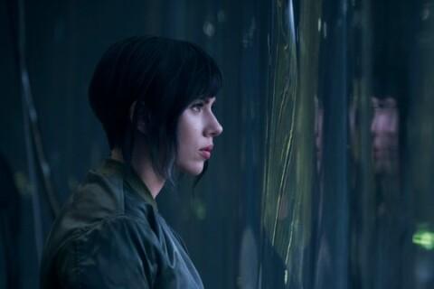"""Scarlett Johansson : Impassible dans """"Ghost In The Shell"""" et déjà critiquée..."""