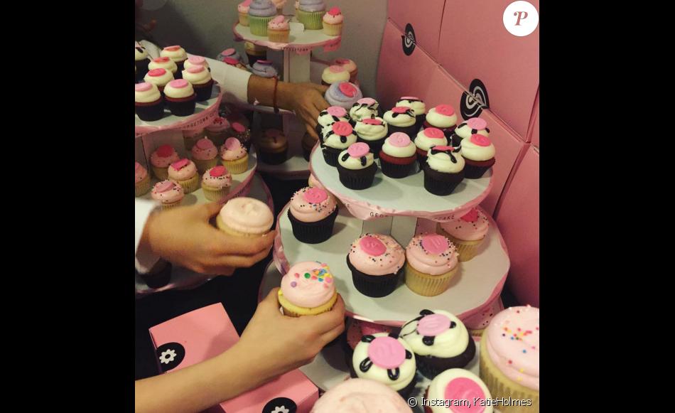 Top Katie Holmes a organisé l'anniversaire de sa fille Suri Cruise qui  FY32