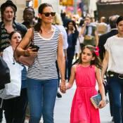 Katie Holmes compense l'absence de Tom Cruise pour les 10 ans de Suri