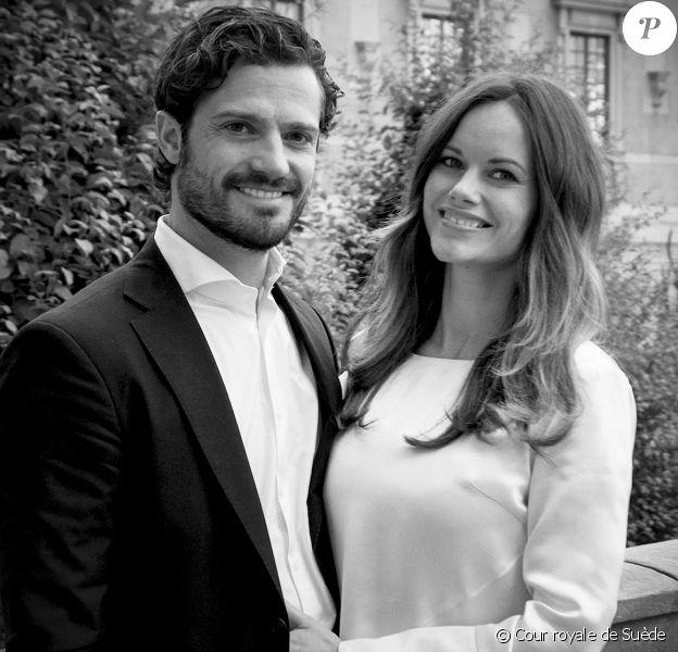 Le prince Carl Philip et la princesse Sofia de Suède sont devenus le 19 avril 2016 à 18h25 parents de leur premier enfant, un petit garçon de 3,6 kilos pour 49 cm.