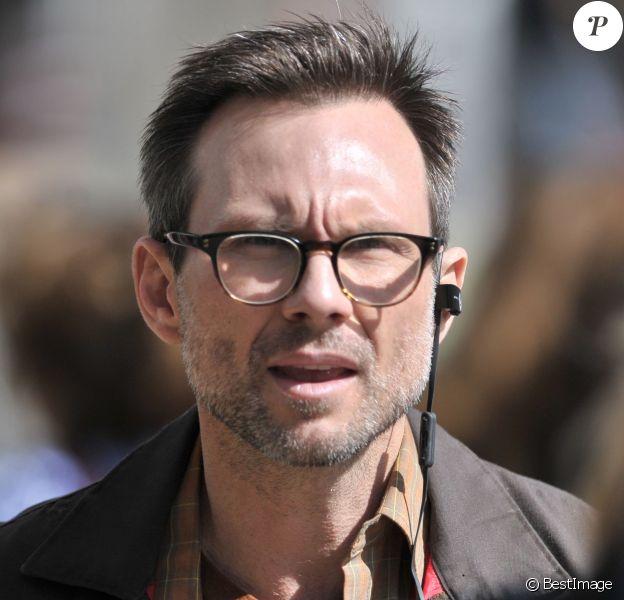 """Exclusif - Christian Slater sur le tournage de la série TV """"Mr Robot"""" à New York. Le 11 mars 2016"""