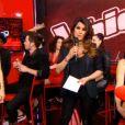 """Karien Ferri, jeune maman radieuse sur le plateau de """"The Voice 5"""", samedi 23 avril 2016."""
