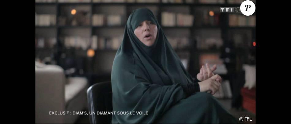 """Diam's lors de son interview pour l'émission """"Sept à Huit"""" en mai 2015"""