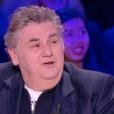 Fou rire pour Pierre Ménès, dans  Faut pas abuser! , le mardi 10 mai 2016 à 21h00 sur D8.