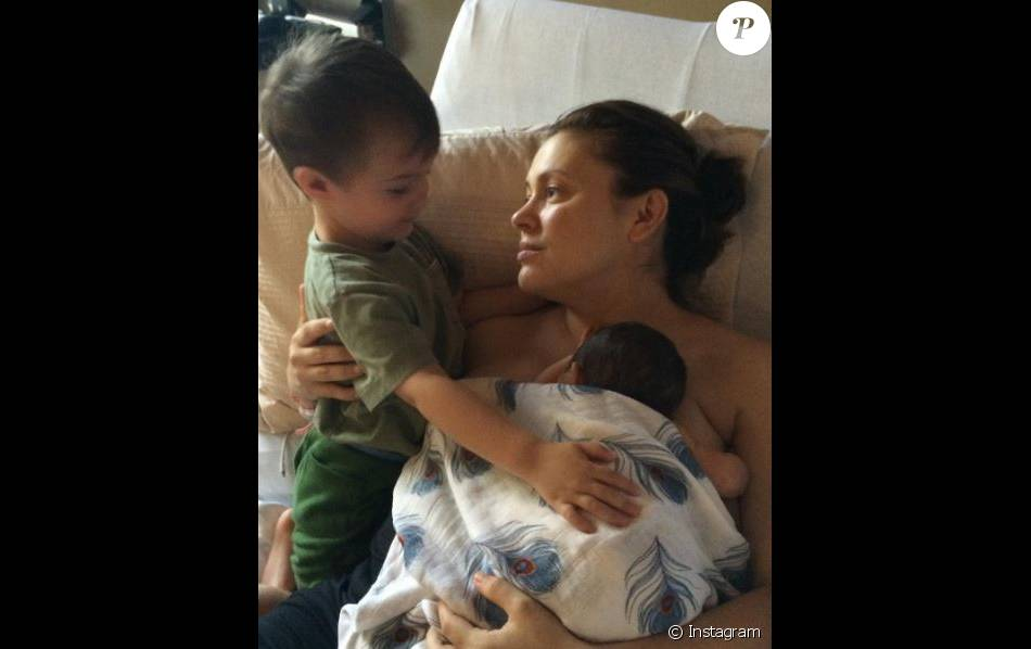 Alyssa Milano et ses enfants. Photo postée pour la fête des mères le 8 mai 2016