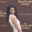 Vidéo de la conférence de presse de Kendall Jenner à la Plage Magnum, Cannes, le 12 mai 2016.
