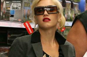 REPORTAGE PHOTOS : Quand Gwen Stefani sort ses deux fils pour les couvrir de cadeaux !