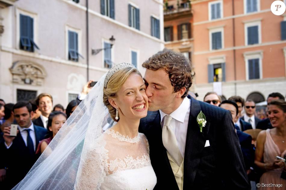 Le prince Amedeo de Belgique et la princesse Elisabetta (née Rosboch von Wolkenstein) lors de leur mariage le 5 juillet 2014 à Rome. Le couple a accueilli le 17 mai 2016 son premier enfant, une petite fille.