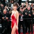 """Bella Hadid - Montée des marches du film """"La fille inconnue"""" lors du 69ème Festival International du Film de Cannes. Le 18 mai 2016. © Borde-Jacovides-Moreau/Bestimage"""
