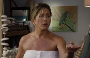 Jennifer Aniston maman débordée dans