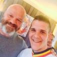 """Kevin Roquet (""""Top Chef 2016"""") a eu droit a un beau cadeau de la part du juré Philippe Etchebest."""