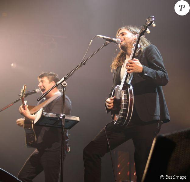 Le groupe Mumford and Sons en concert au Zénith de Paris le 23 mai 2016. © Lise Tuillier / Bestimage