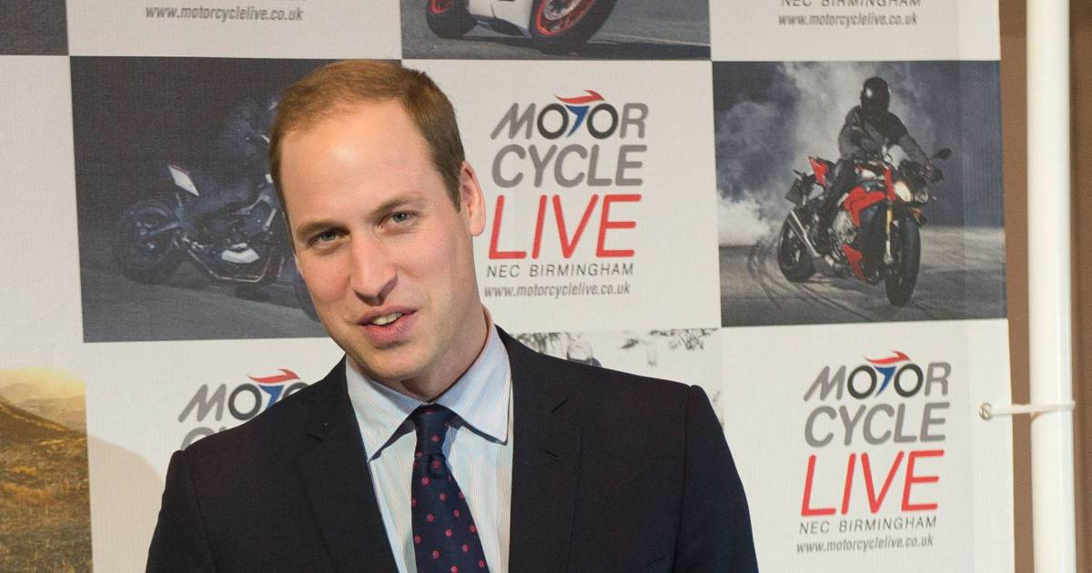 Le prince william duc de cambridge visite le salon de for Nrj moto salon