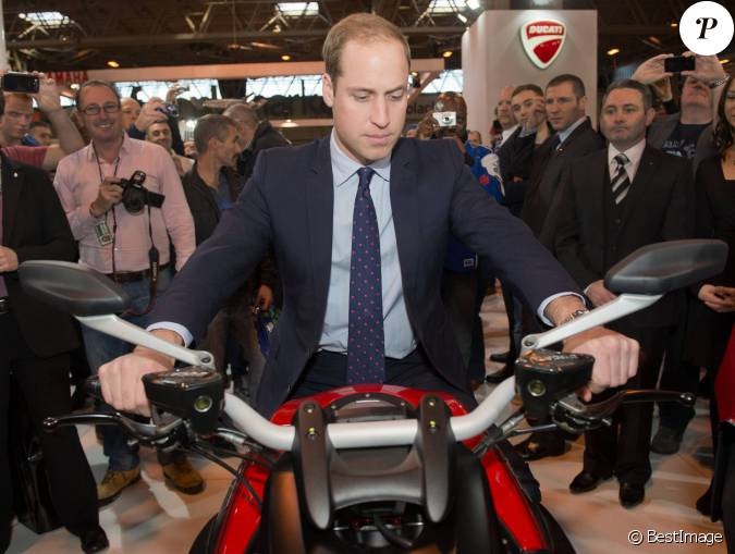 Le prince william duc de cambridge au salon de moto for Nrj moto salon