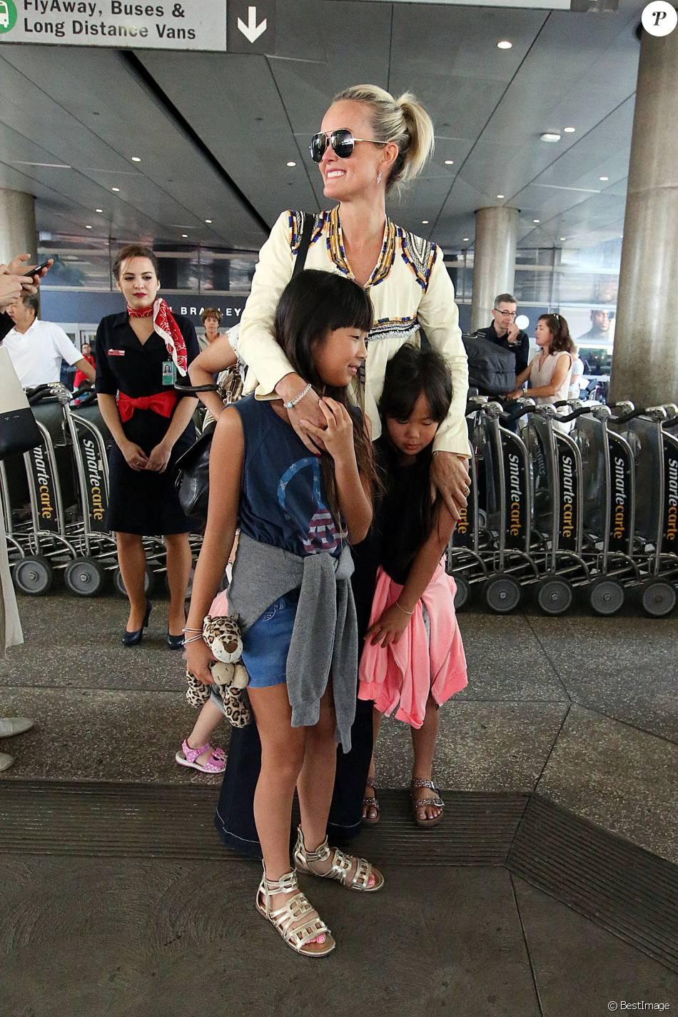 Laeticia hallyday en campagne pour le vietnam pays de ses filles ador es - Helene darroze et son mari ...