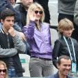 Isabelle Camus et son fils Joalukas Noah à la finale dames aux internationaux de France de Roland-Garros à Paris le 3 juin 2016. © Moreau - Jacovides / Bestimage