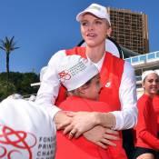 Charlene de Monaco : Epaulée par des champions sur la plage du Larvotto