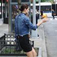Exclusif - Bella Hadid rentre dans une voiture à New York Le 11 juin 2016