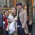Exclusif - Eddie Redmayne et sa femme Hannah Bagshawe (enceinte) se baladent dans Saint-Germain-des-Prés à Paris le 5 avril 2016