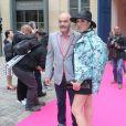 Christian Louboutin et Rossy de Palma-Défilé Schiaparelli (collection haute couture automne-hiver 2016/2017), place Vendôme. Paris, le 4 juillet 2016.